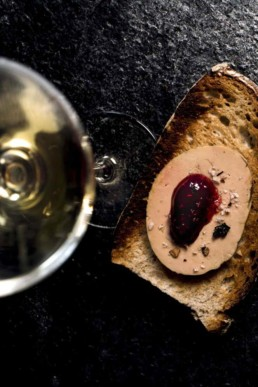 Le Cercle des Arômes, Bar à vins à Colmar... 100 Crus au verre et trésors du terroir d'Alsace à déguster. Wine-bar, weinbar Colmar